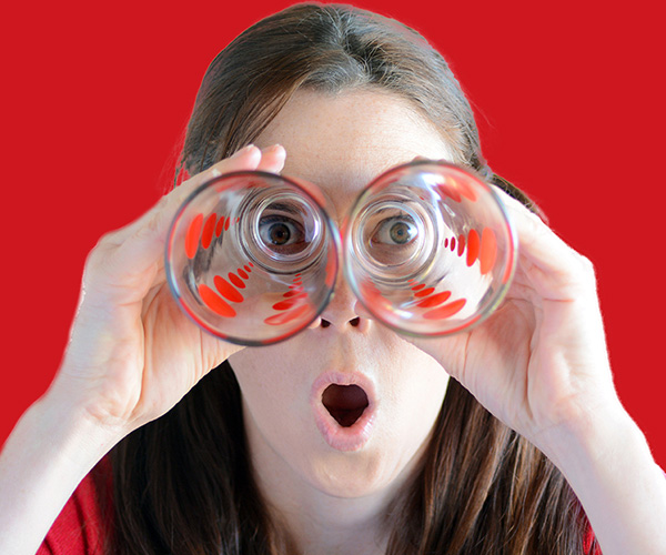 עדשות מגע - לייזר בעיניים
