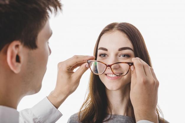 הסרת משקפיים בלייזר אודות הטיפול